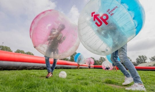 ADD UP 1 Bubbel Voetbal Teambuilding Amsterdam